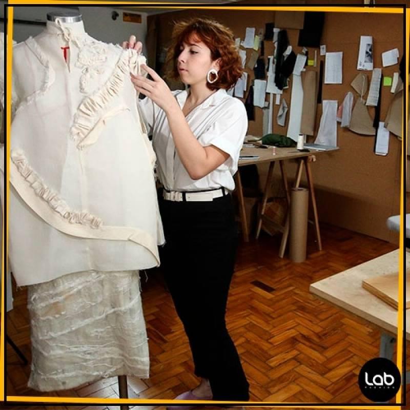 Onde Encontrar Curso de Estilista de Moda Vila Madalena - Curso Profissionalizante de Moda